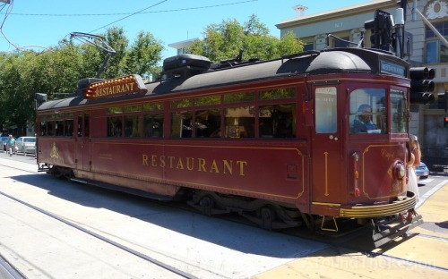 tram-restaurant-in-melbourne_101260